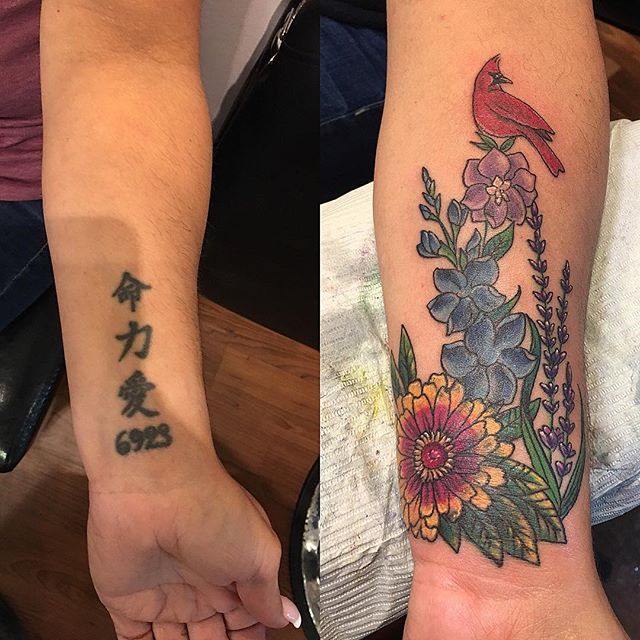 Cover up #flowerstattoo #birthdayflowers #familytattoo #coverups #refreshedtattoo #colortattoo #oldtattoo #newtattoo #tattooedlady #tattoobliss