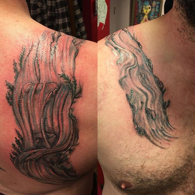 Over the shoulder boulder #creektattoo #rivertattoo #flowtattoo #drawiton #watertattoo #naturetattoo #tattoobliss