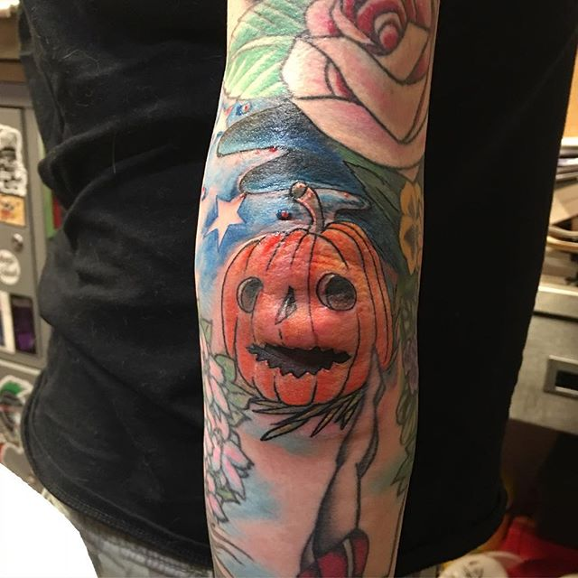Pumpkin #tattoo #halloweentat #pumpkintattoos #elbowtat #tattoobliss #swole #swellbow #ouch